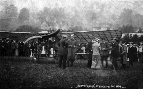 <i>with a monoplane showing the cabane holding tensed wires above the cockpit</i>, 29 August 1913